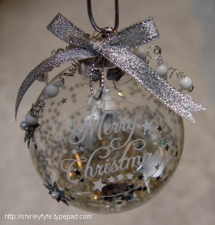 Merry_christmas_bauble_1_3
