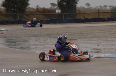 Go_karting_in_the_wet